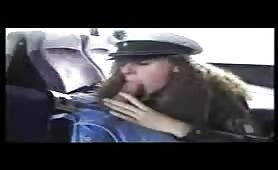 Busfahrer fickt Polizistin bei der Kontrolle
