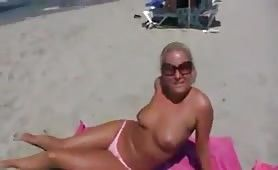 Sex mit junger Blondine am Strand